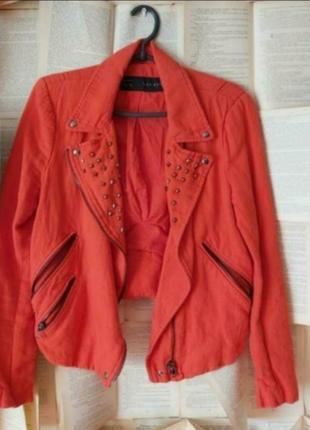 Очень красивая куртка бренд zara
