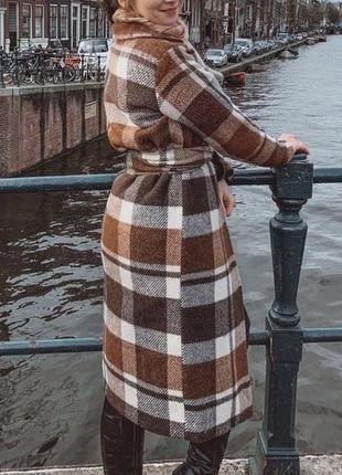 Шикарное актуальное теплое пальто в клетку фирмы zara оригинал испания