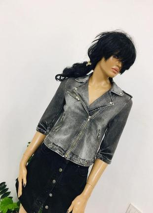 Крутая джинсовая рваная потертая косуха из стираного денима от zara woman