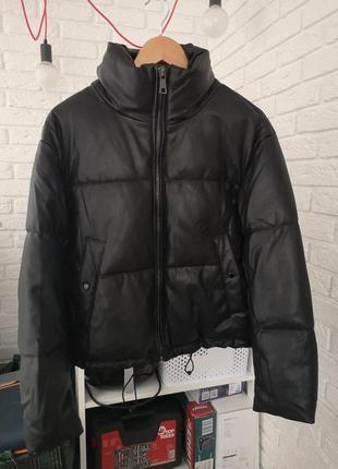 Новая черная куртка zara размер s