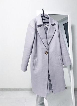 Двубортное пальто / лиловое пальто на пуговице
