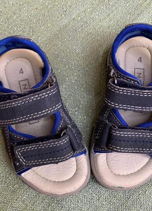 Босоножки сандали next р.4 наш 20