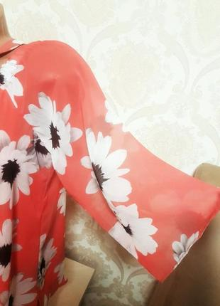 Легкая яркая летняя блуза с открытыми плечями3 фото