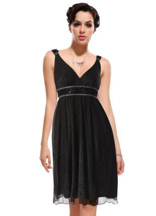 Черное шифоновое платье, украшено мелкими розочками s и м