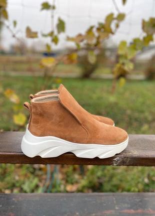 Женские замшевые ботинки «бурки»