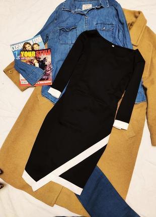Платье ассиметрия чёрное белое по фигуре рукав три четверти