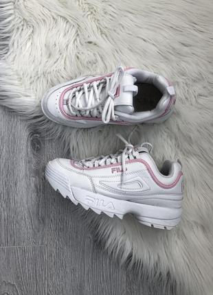 Массивные белые кроссовки. оригинал