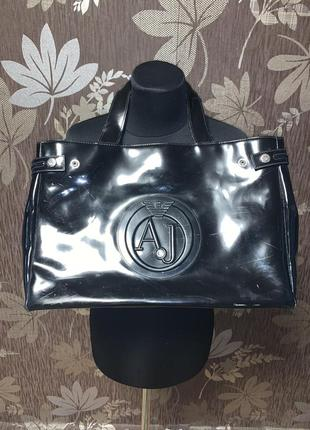 Стильна лакова сумка