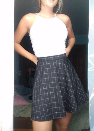 Крутая школьная мини юбка в клетку полу солнце черная missguided