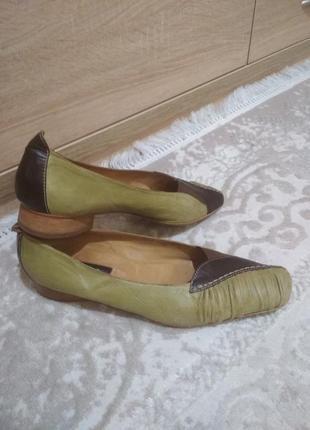 Туфли женские большого размера.