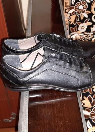 Кожаные туфли 36 размер чёрные на шнурках2 фото