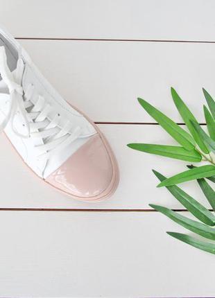 Белые кожаные кеды с пудровым лакированным носком (р.36-40) smart