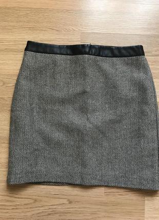 Мини-юбка с завышенной талией