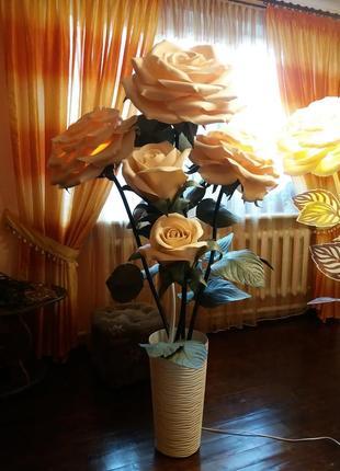 Ростовые цветы из изолона.розы в кашпо.торшер.