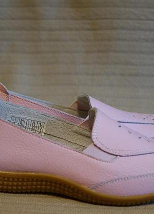 Светло розовые перфорированные летние кожаные туфли damart франция 39 р.