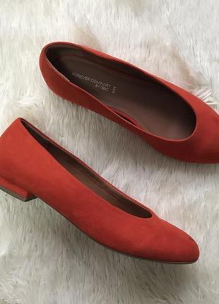 Красные балетки