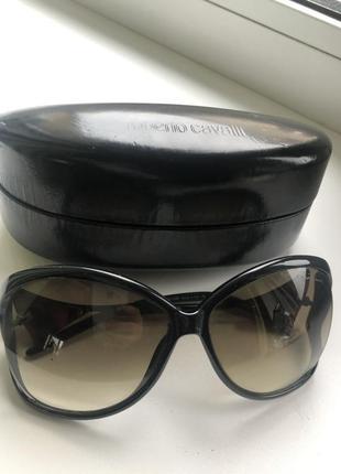 Очки  солнцезащитные чёрные roberto cavalli