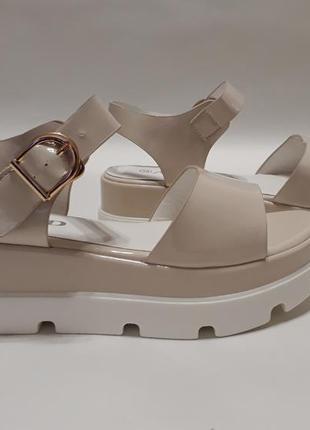 Распродажа! бежевые женские босоножки (сандалии) на тракторной подошве 5 см
