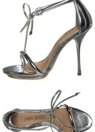 Buffalo high heeled sandals – silver.