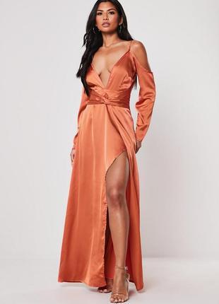Сукня шелковое вечернее атласное платье плечи длинное разрез глубокое декольте сексуальное