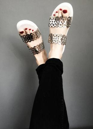 Zara серебряные узор паттерн геометрия босоножки шлепки белые минимализм кожа