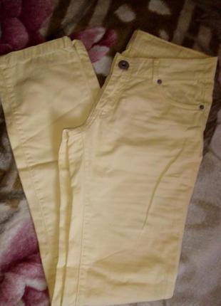 Крутые фирменные джинсы на лето