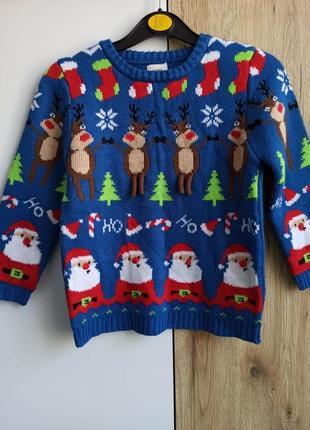 Новогодний свитер с новогодним орнаментом олени и деды морозы george