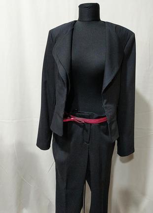 Брючный женский фирменный классический костюм