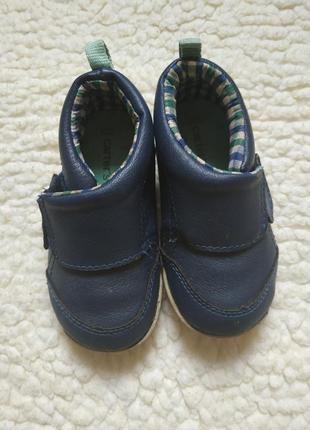 Ботиночки carters на мальчика 22 р-р (13 см) в хорошем состоянии