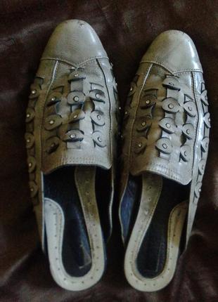 Фирменные кожаные шлепки-шлепанцы-босоножки-мюли из натуральной кожи р.39-40  26-26,5 см