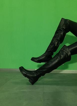 Ботфорты черные кожаные зимние деми на низком каблуке