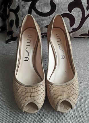 Кожаные комфортные туфли unisa