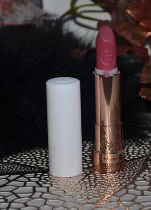 Фирменная полуматовая помада для губ essence this is me lipstick оригинал