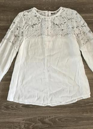 Біла блуза із мереживним верхом від h&m