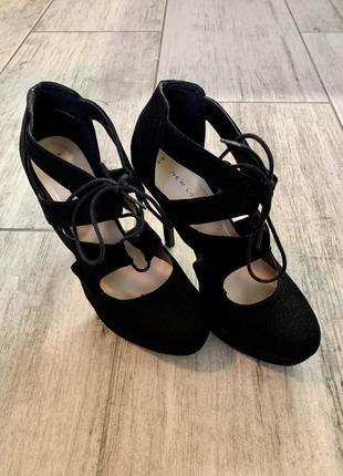 Женские туфли на каблуке new look