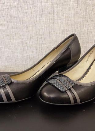 Новые классические туфли (днепропетровская кожа) 38 размер!