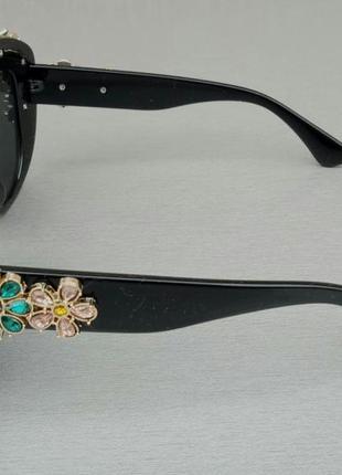 Очки женские солнцезащитные подиумные с цветами в камнях черные большие4 фото