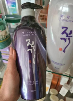 Регенерирующий шампунь для волос daeng gi meo ri vitalizing shampoo 500ml
