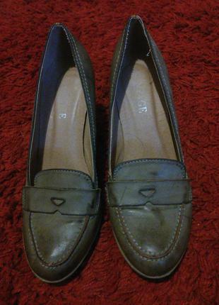 Туфли на каблуке,37 р.