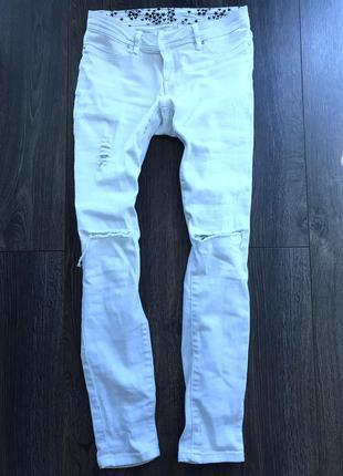 Белые джинсы kira plastinina