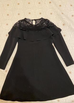 Вечернее платье с кружевом размера s