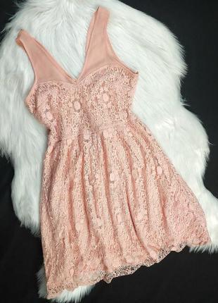Нежно-розовое платье с кружевом dorothy perkins