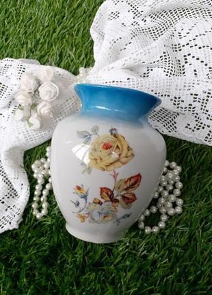 Ваза ссср фарфоровая с деколью чайная роза полонное 50--е винтаж