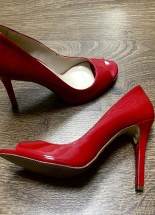 Туфли кожаные красные италия на высоком каблуке