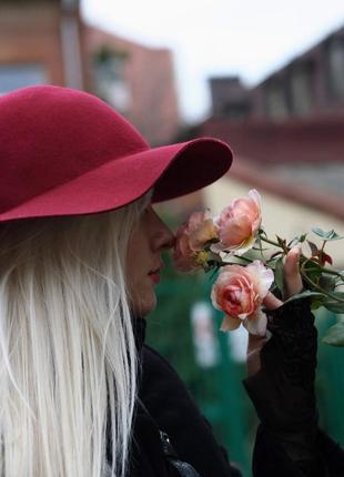 Бордовая шерстяная шляпа h&m