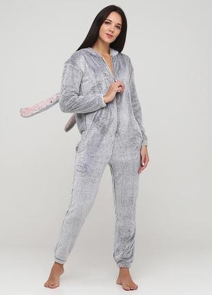 Домашний женский комбинезон-кигуруми серого цвета из полиэстера naviale lo.01.001 rabbit