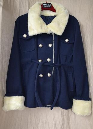 Шикарное пальто на синтепоне с мехом двубортное италия