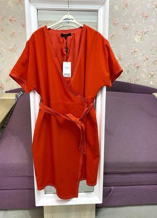 Новое красно-белое платье с запахом и асимметричным низом next