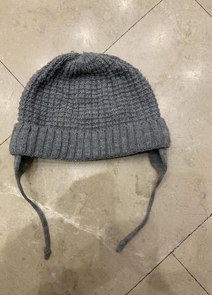 Тёплая шапка .