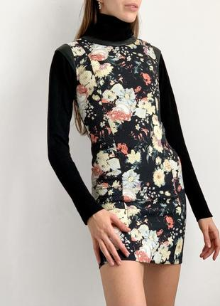 Мини плаття в цветочный принт міні платття mango zara